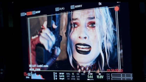 the-suicide-squad-bts-margot-robbie-harley-quinn-cuong-movie
